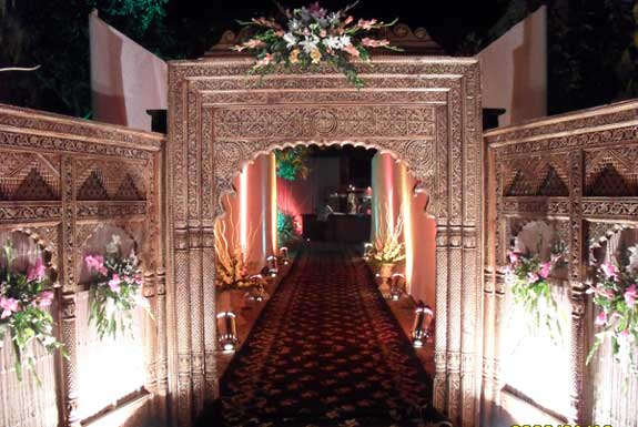 Indoor Vs Outdoor Weddings: HOW TO CHOOSE THE PERFECT VENUE