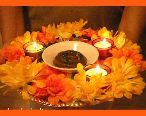 Mehndi Fresh Flowers : 6 mesmerizing ways to decorate u201cmehndi thaalu201d shadi tayari