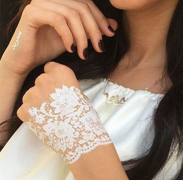 Ditch the traditional mehndi shadi tayari pakistan 39 s for Lace glove tattoo