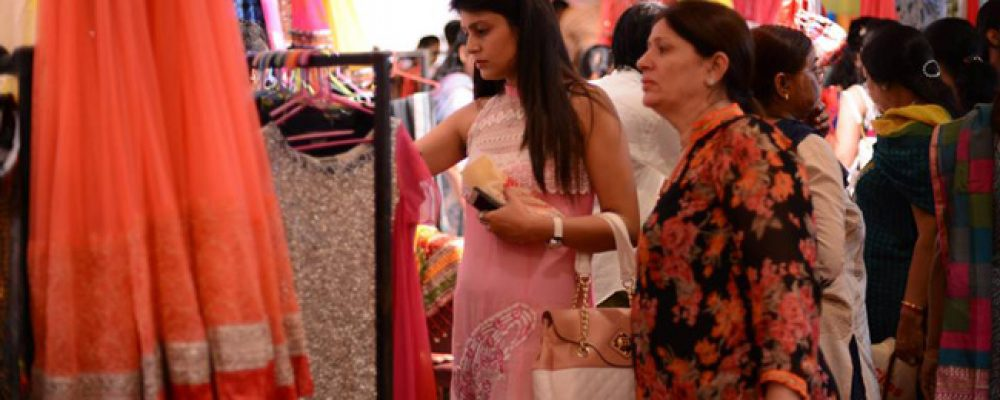 HOW TO TACKLE THE SHOPPING SESSION WITH FUTURE MOTHER-IN-LAW