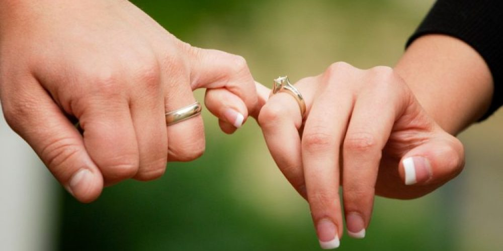 Trendy Engagement Rings Designs for Couples