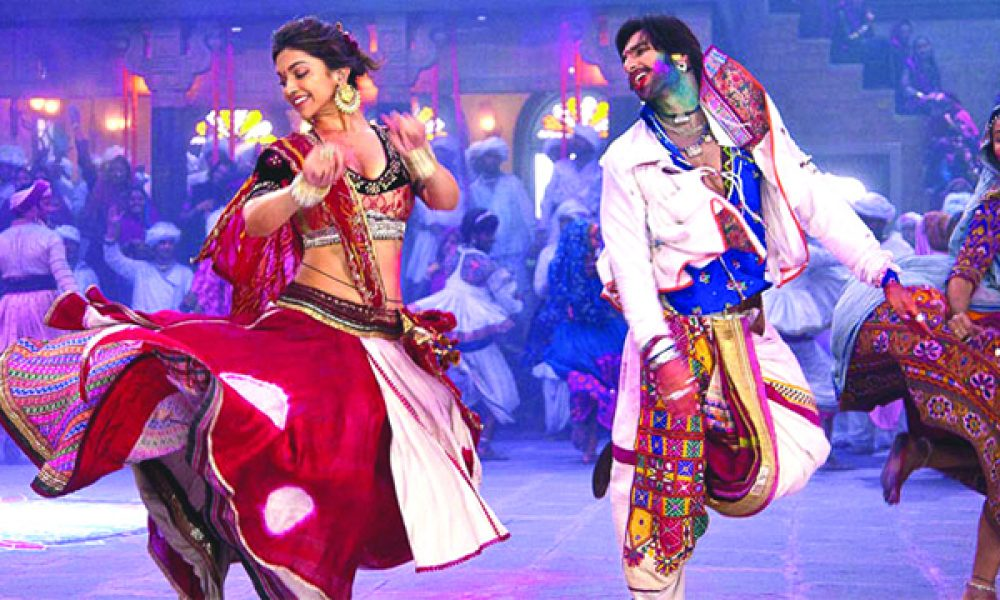8 TYPES OF DANCERS YOU WILL SEE AT A DHOLKI