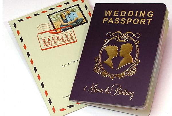 weddinginvitationdesignideasblackgoldpassport